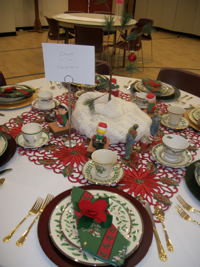 The Charlie Brown Christmas Table, decorated by Cat Cockman & her daughter Robin Peyton.  One of my favorite things about being there while folks were working on the tables was hearing the stories behind every single item they were using.